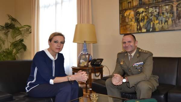 La subdelegada del Gobierno y el Comandante Militar de Huesca