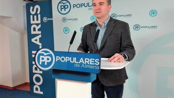 El parlamentario por el Partido Popular de Almería, Amós García