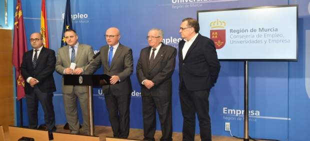 Foto/ Reunión Con Representantes Cámaras De Comercio