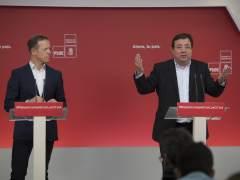 Ander Gil, portavoz socialista en el Senado, y Guillermo Fernández Vara, presidente de Extremadura.