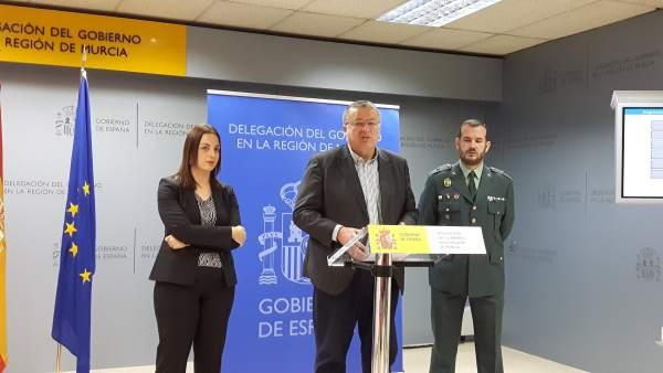 El delegado del Gobierno, Francisco Bernabé, en rueda de prensa