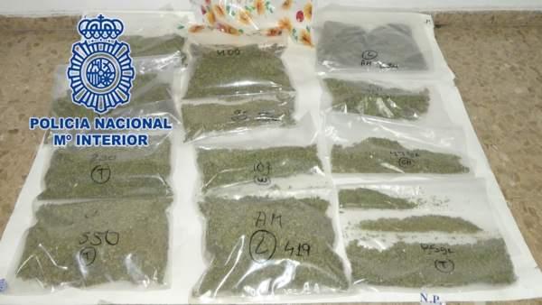 Nota De Prensa: 'Detenidos Mientras Realizaban La Mudanza Del Laboratorio Indoor