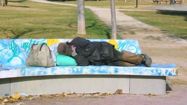 Cáritas obri un alberg temporal amb 23 places per a atendre a persones sense llar en València
