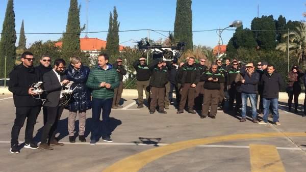 Javier Celdrán asiste pruebas de drones para emplear en la gestión forestal