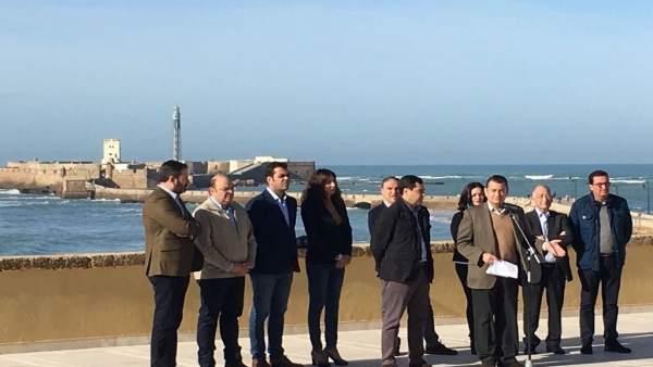 Sanz junto a presidentes provinciales del PP andaluz