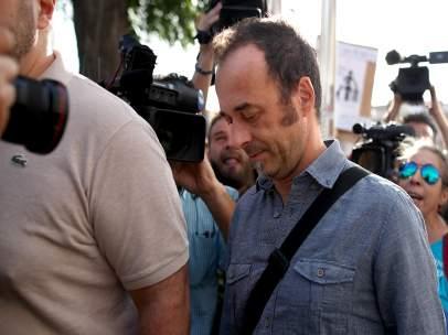 Francesco Arcuri, el excompañero de Juana Rivas, llega al juzgado de Granada