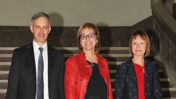"""Mestre, Martínez i García Benau es presenten al Rectorat de la UV amb promeses d'""""internacionalització"""" i """"canvi"""""""