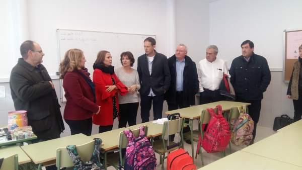 Mayte Pérez visita las nuevas instalaciones del colegio Miguel Vallés de Teruel