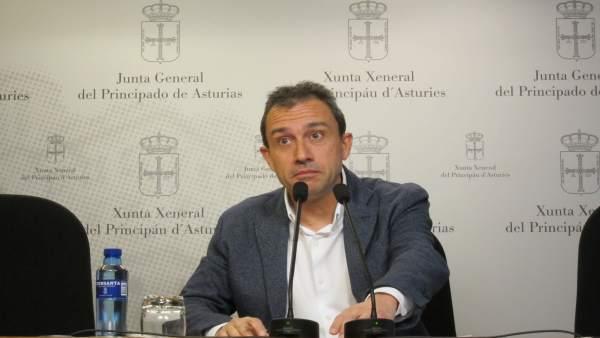 El diputado de IU en la Junta General Ovidio Zapico