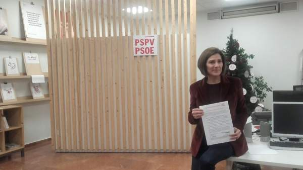 La precandidata Maite Girau, la sede del PSPV en Blanqueries