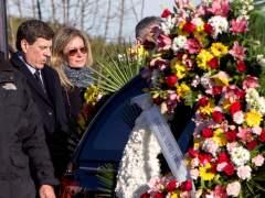 La familia despide a Diana Quer mientras la investigación se centra en buscar restos de ADN
