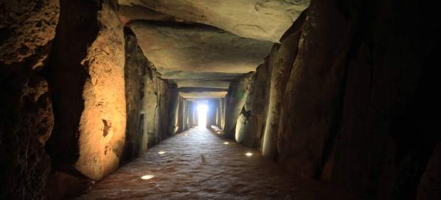 Interior del Dolmen de Soto.