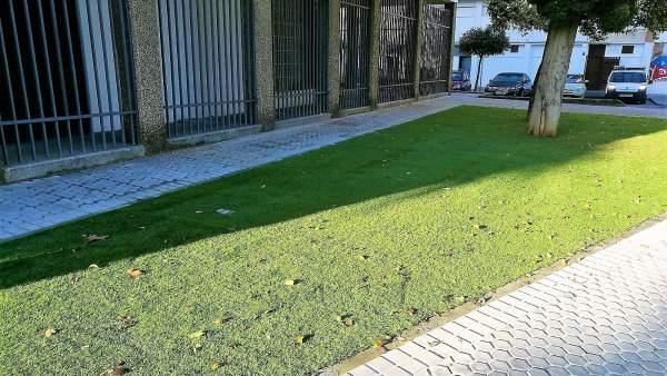 IU critica la colocación de césped artificial en San Pablo-Santa Justa