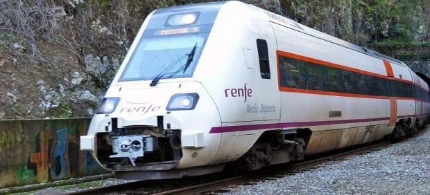 Tren de Renfe de la línea Huelva-Zafra.