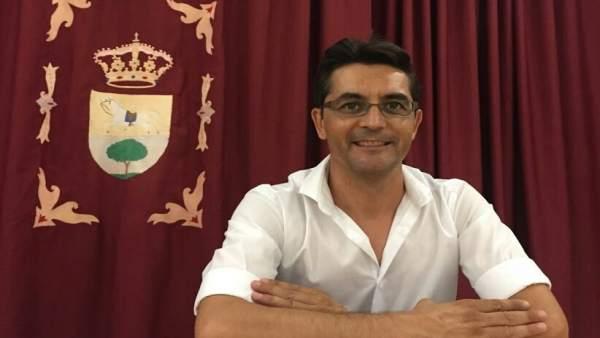 Alcalde de Puerto Serrano, Miguel Carrero