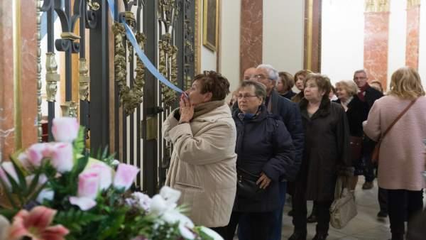 Los fieles han estrenado el nuevo sistema tras la misa