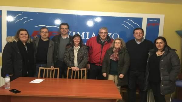 Diego Calvo preside una reunión de trabajo del PP en Zas