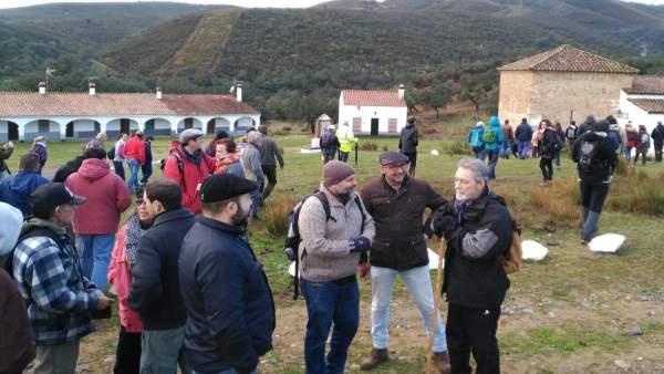 Np Iu Huelva Participa En Marcha Senderista Por Caminos Usurpados 14 Enero 2017
