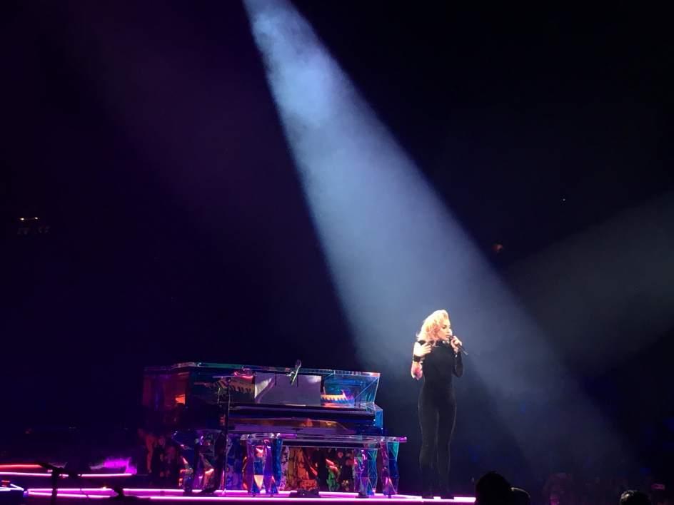 Lady Gaga pisa con fuerza en Barcelona, el primer concierto europeo de su gira