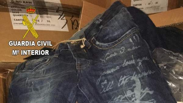 La Guardia Civil Interviene Pantalones Falsificados De Marca G Star Raw Valorado