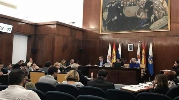 Pleno del Ayuntamiento de Santander (Archivo)