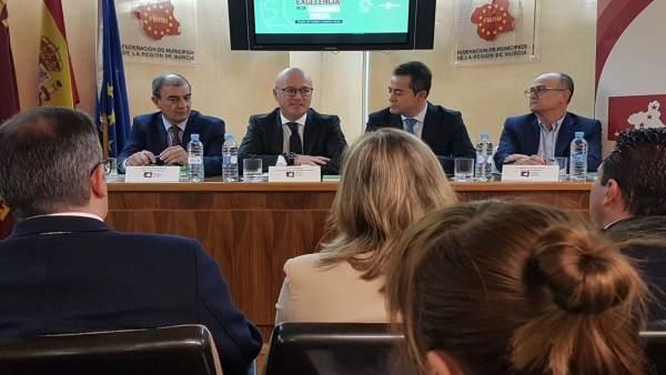 Juan Hernández presenta el Pacto por la Excelencia de la Economía Social