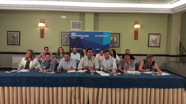 Primer comité ejecutivo de Requena al frente del PP de Jaén