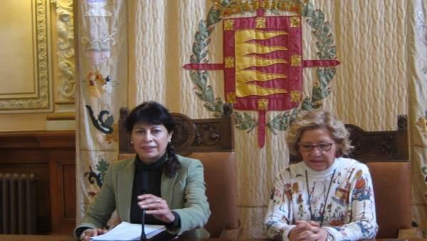 La concejal de Cultura y Turismo, junto a la gerente de la Sociedad de Turismo
