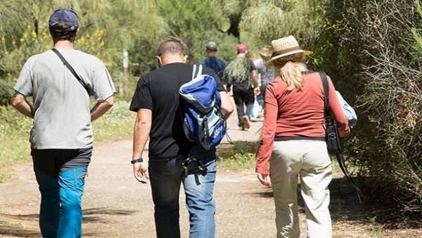 Visitantes a la Laguna Primera de Palos.