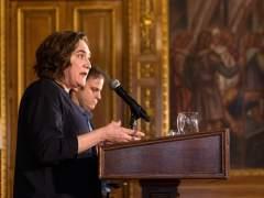 """Colau dice que Puigdemont """"debe considerar apartarse de la función pública"""" por el caso Palau"""