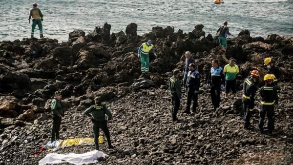 SIete muertos al encallar una patera en Lanzarote