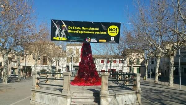Pancarta de la campaña 'No i punt!' en Maria de la Salut