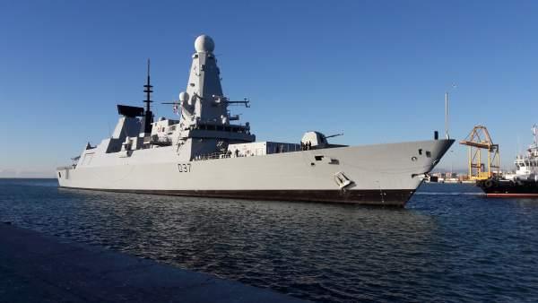 HMS Duncan de la Armada británica llega a Málaga