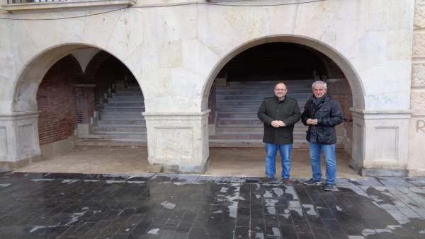 Concejales del PSOE de Teruel junto al túnel del Déan Buj