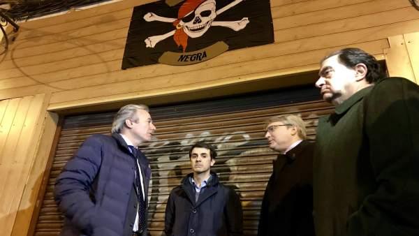 Concejales del PP se reúnen con vecinos de la zona de Moncasi de Zaragoza