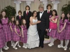 Detienen a una pareja en California que tenía a sus 13 hijos encadenados y desnutridos