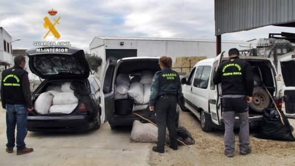 'La Guardia Civil Detiene A Los Seis Integrantes De Un Grupo Delictivo Dedicado