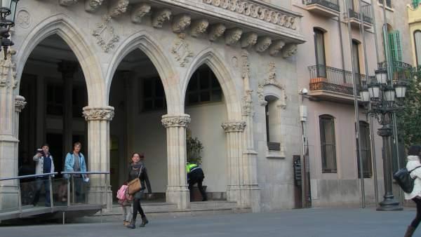 Fachada del Ayuntamiento de Terrassa.
