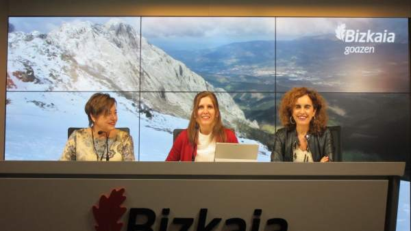 Las diputadas Sánchez Robles, Unzueta y Bengoetxea