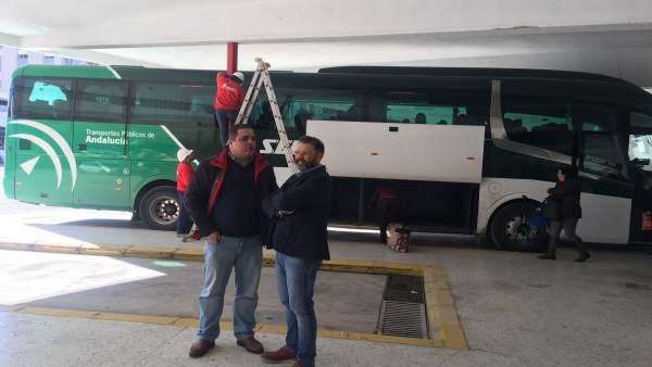 Torres y Valdivielso conocen las mejoras de la estación de autobuses de Martos.