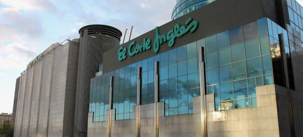 El Corte Inglés e ING permiten a los clientes sacar dinero en cajas del súper