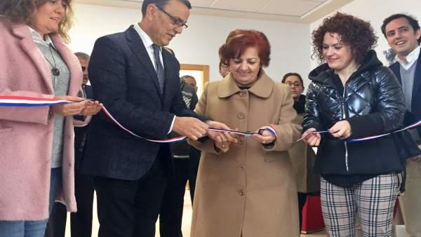 Inauguración del tanatorio de Santa Bárbara de Casa, en Huelva.