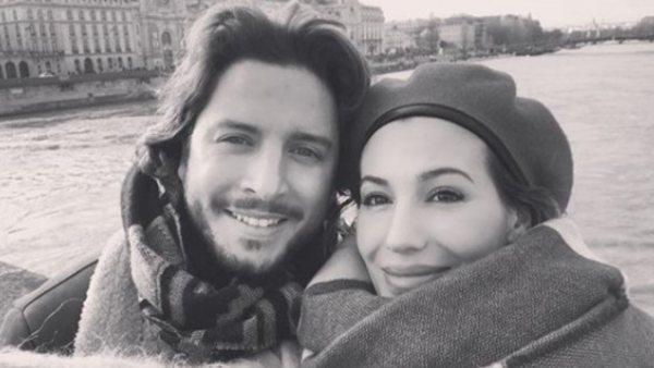 Manuel Carrasco y Almudena, en París