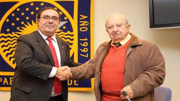 Firma del convenio entre la UPO y Confemac