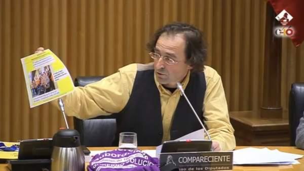 Xesús Domínguez, de la plataforma de preferentes, en el Congreso