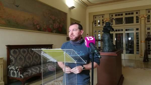 El Portavoz De Més, David Abril
