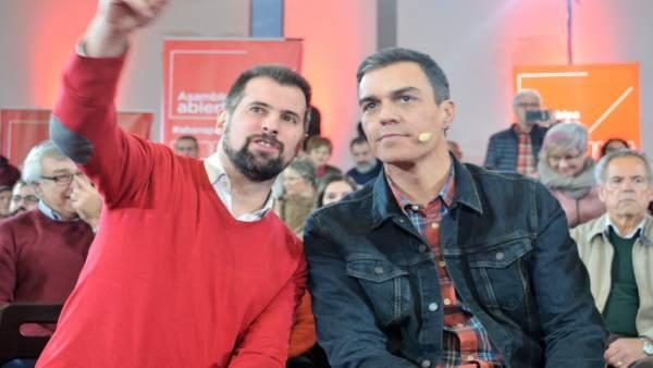 El secretario general del PSCyL, Luis Tudanca, junto a Pedro Sánchez