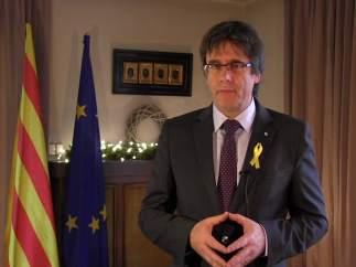 """Puigdemont volverá a Cataluña """"en el minuto mismo"""" en que tenga garantías de que no será detenido"""