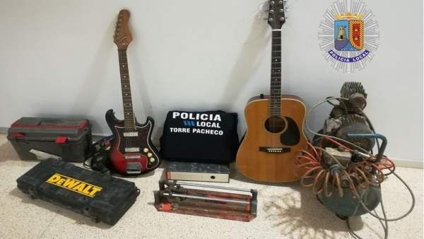 Imagen de los objetos intervenidos por la Policía Local