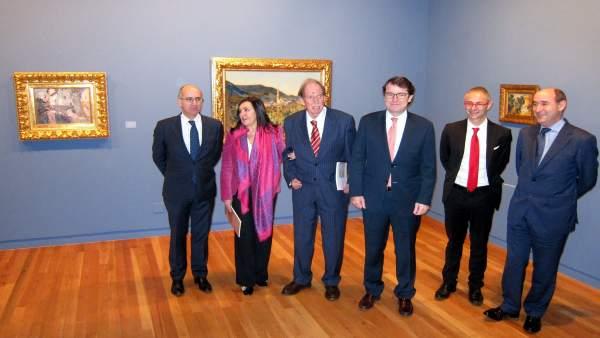 Autoridades en la presentación de la exposición.
